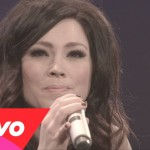 I Am Not Alone - Kari Jobe